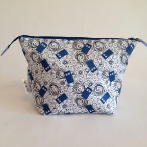 30-tardis-medium-zip-top-project-bag-main